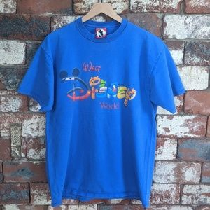 Vintage Walt Disney World spellout t-shirt